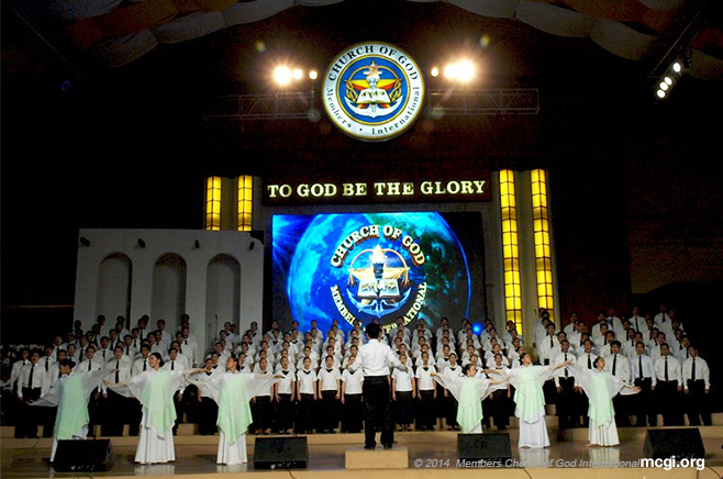 The MCGI Chorale along with members of the Teatro Kristiano at the ADD Convention Center stage in Pampanga, Philippines during an International Thanksgiving to God. (Photo courtesy of PVI)