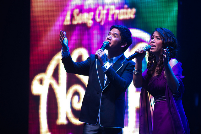 Gerald Santos and Roselle Nava perform a duet as they sing an A Song of Praise winner at the ASOP Concert in 2011.