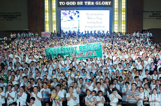 At the ADD Convention Center in Apalit, Pampanga, the Locale of Magata offered their song of praise on stage amidst hundred of members in their thanksgiving number for God on March 9, 2013.