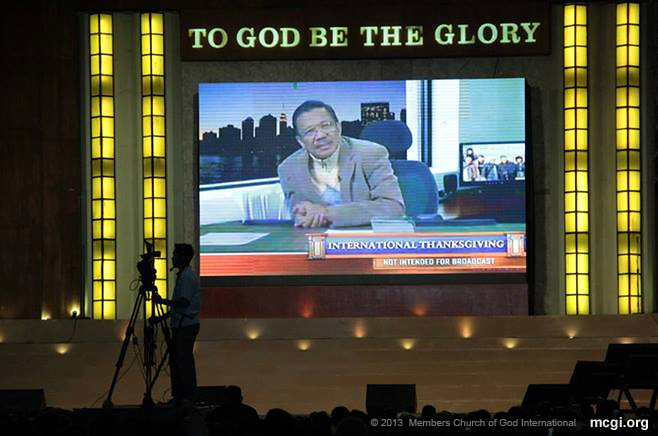 A smile of many for the brethren as MCGI Presiding Minister Bro. Eliseo Soriano imparts Biblical wisdom during the three-day International Thanksgiving in September 2013.