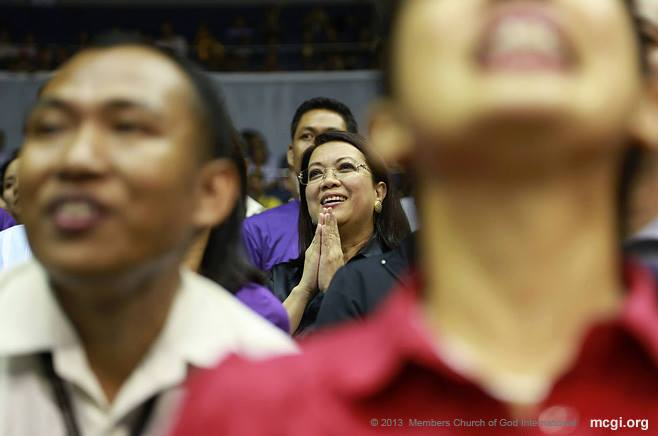 Inspiring Team Judiciary to win the first-ever UNTV Cup on October 24, 2013 at the Smart-Araneta Coliseum was Chief Justice Maria Lourdes Sereno.