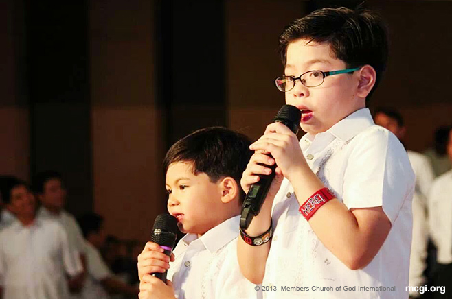 "Bro. Daniel Razon's sons, Bro. Aaron and Joshua, offer ""I Am Grateful,"" an ASOP 2013 winning song of praise, on November 23, 2013 at the ADD Convention Center stage."