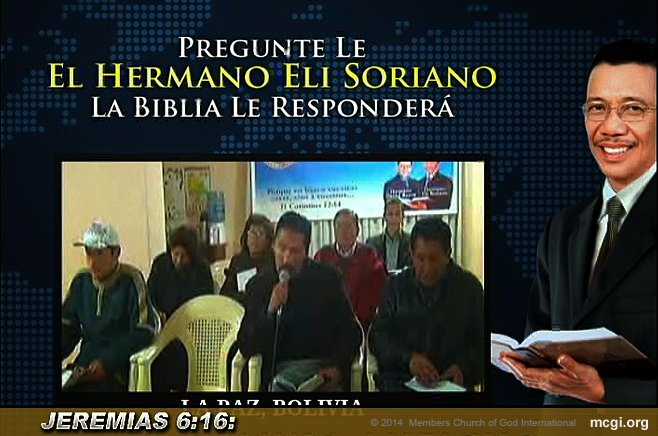 Attendees of a Bible Exposition in La Paz, Bolivia ask Bro. Eliseo Soriano their question of faith via live video streaming.