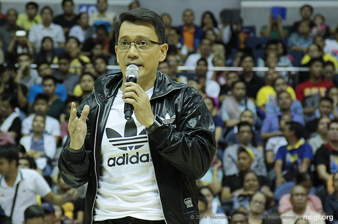 Kuya Daniel Razon speaks before the MCGI-supported UNTV Cup 2 at the Smart-Araneta Coliseum on February 11, 2014.