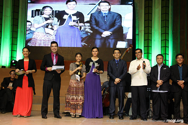 ASOP 5774 winners with ASOP Music Festival co-creator Bro. Daniel Razon (fourth from right) and Church Helpers of the Ministry. (Courtesy of PVI)