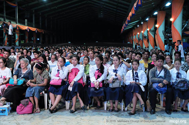 Attendees of MCGI's Worldwide Bible Exposition on August 7, 2015 at the ADD Convention Center, Apalit, Pampanga. (Photo courtesy of Photoville International)