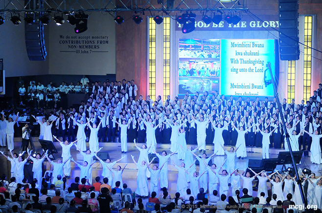MCGI members in the ADD Convention Center in Apalit, Pampanga unitedly sing songs of praises to God during the second quarterly International Thanksgiving to God (ITG) celebration held on July 3-4, 2015. [Photoville International]
