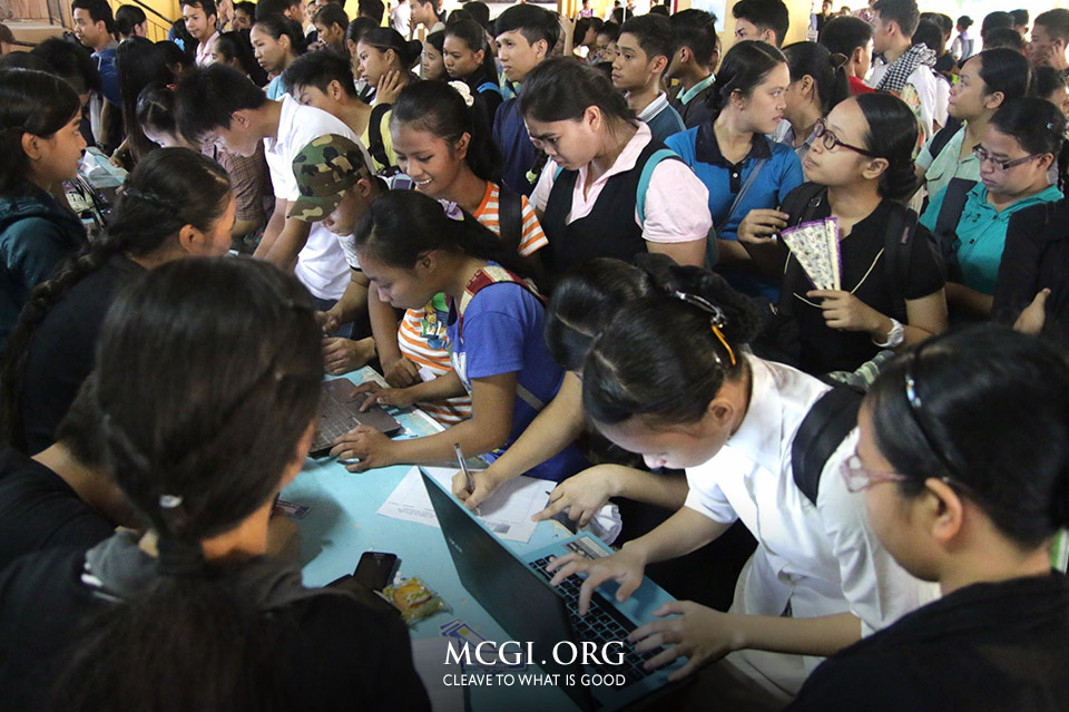 Nearly 900 MCGI Student Writers Join 1st UNTV Student Reporters' Convention